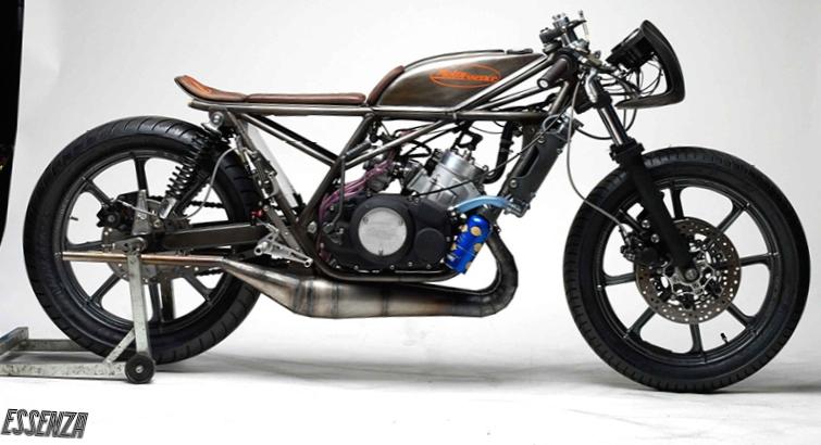 Moto Essence Faucon